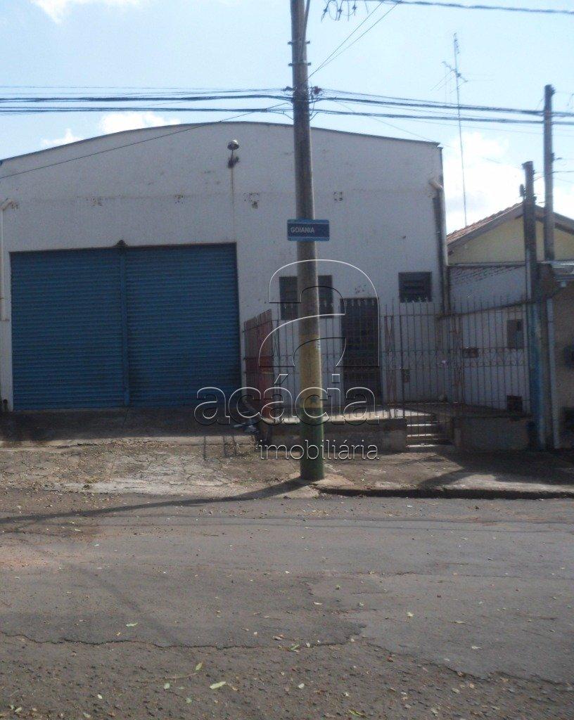 Barracão, Parque Primeiro De Maio