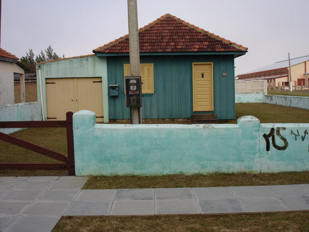 Imagens de #61472F Casa com 3 Quartos Centro Cidreira R$ 170.000 00 COD. 4236  1024x768 px 2920 Box Banheiro Gravataí