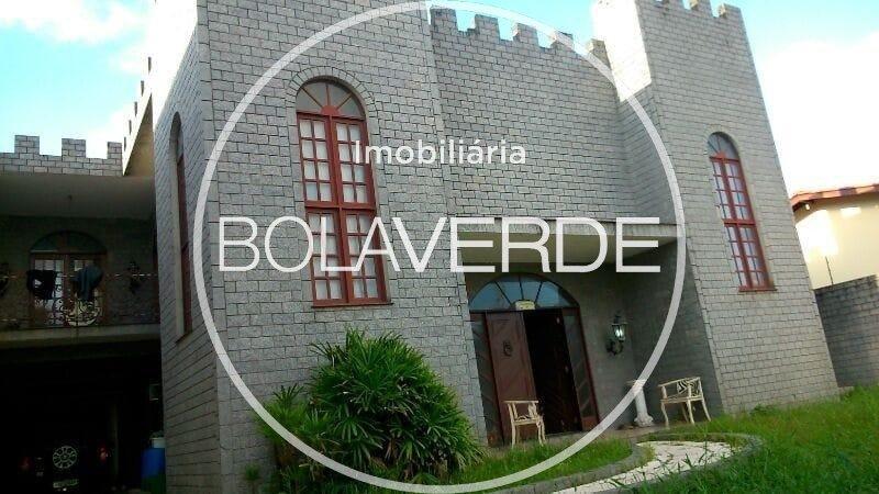 Casa à venda de 3 dormitórios no Fazenda Casa Comercial em Balneário Camboriú