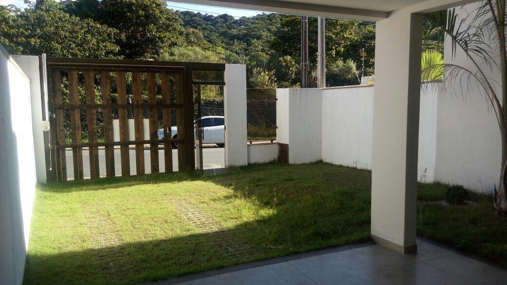 Casa à venda de 3 dormitórios no Praia dos amores Casa em Balneário Camboriú