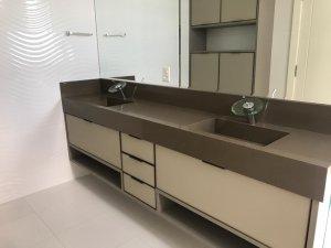 Venda Apartamento no Centro, Balneário Camboriú com 3 dorms,  m2 - Cod:372