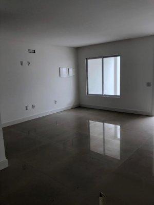 Venda Casa no Centro, Balneário Camboriú com 3 dorms, 180 m2 - Cod:250
