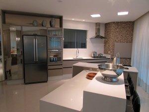 Venda Apartamento no Centro Edifício Sommer Platz, Balneário Camboriú com 3 dorms, 140 m2 - Cod:304