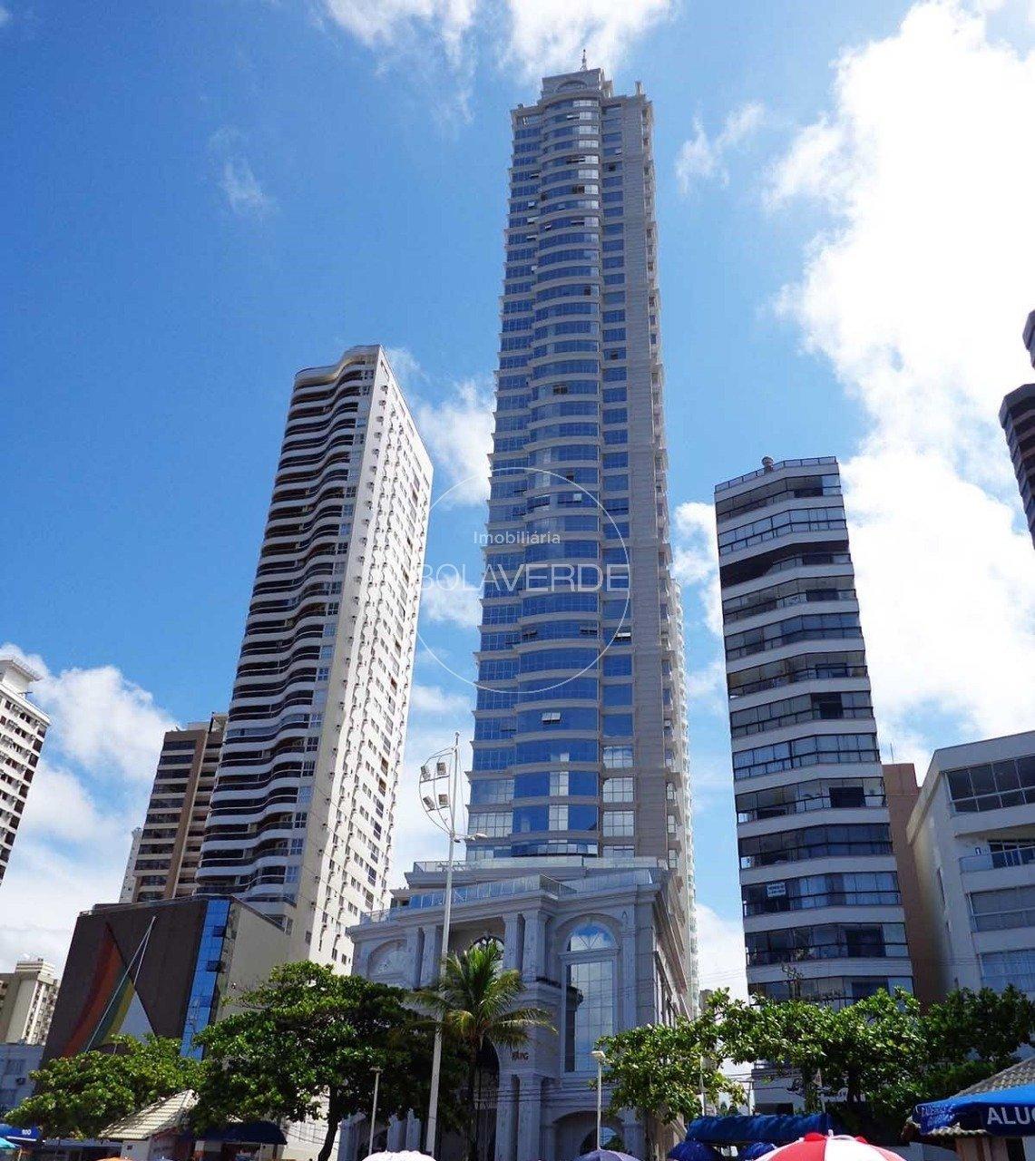 Apartamento à venda de 4 dormitórios no Centro em Balneário Camboriú