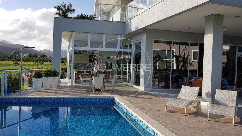 Casa em Condomínio à venda de 4 dormitórios no centro Mansão de Luxo em Condomínio em Balneário Camboriú