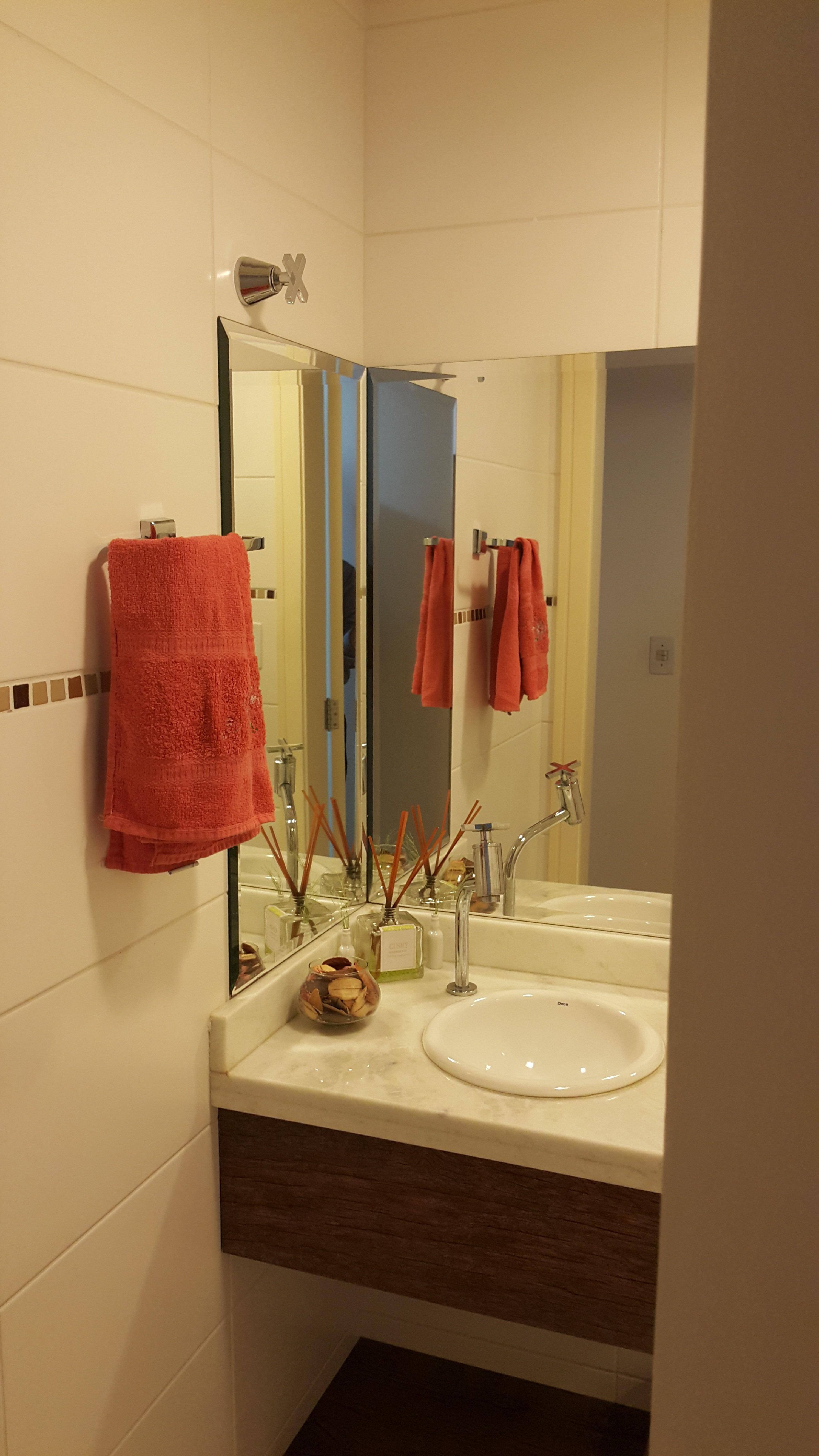 Apartamento com 2 Dormitórios 2 Suítes e 1 Vaga de Garagem à venda  #A73C24 2988x5312 Balança Digital Banheiro Porto Alegre