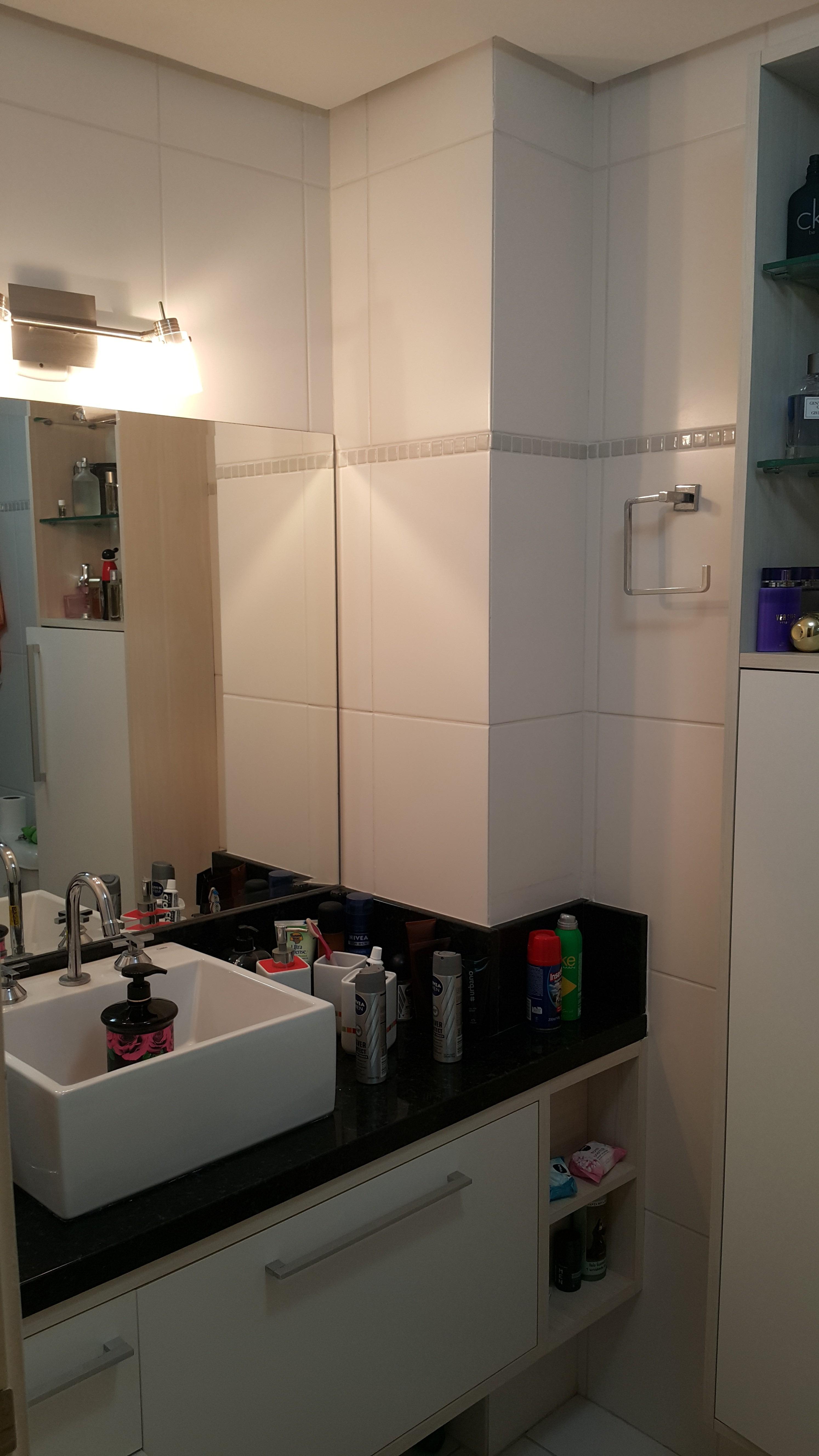 Apartamento com 2 Dormitórios 2 Suítes e 1 Vaga de Garagem à venda  #986733 2988x5312 Balança Digital Banheiro Porto Alegre