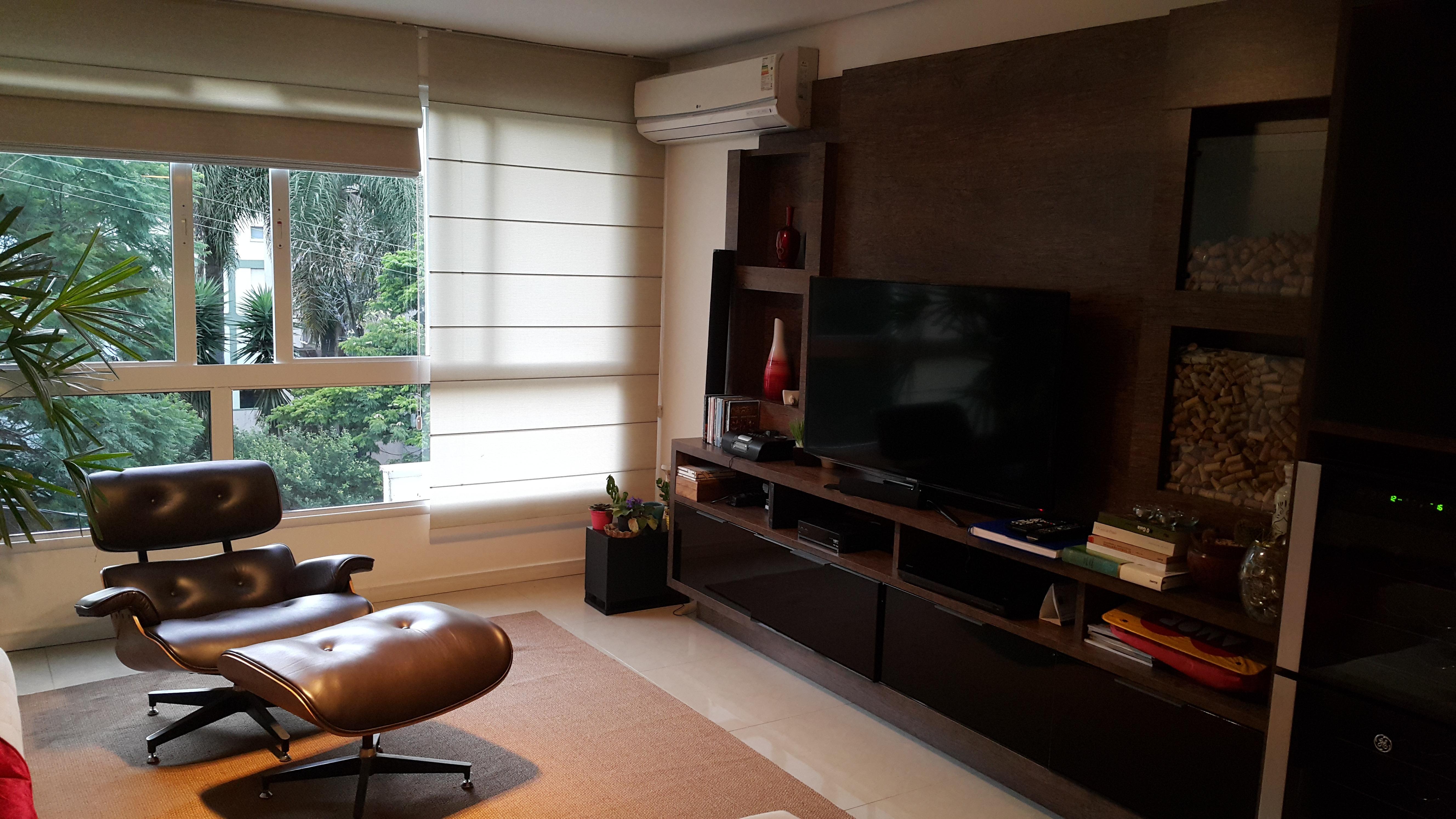 Apartamento com 2 Dormitórios 2 Suítes e 1 Vaga de Garagem à venda  #9D602E 5312x2988 Balança Digital Banheiro Porto Alegre