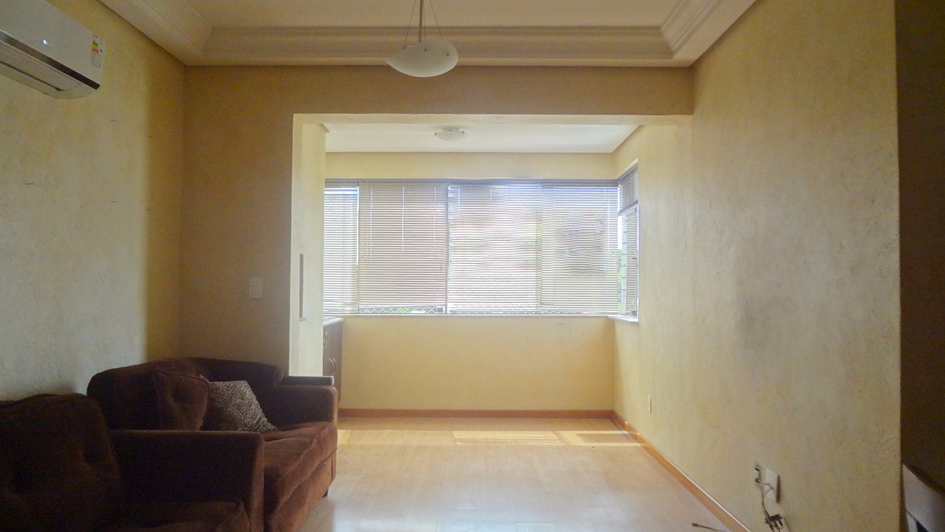Apartamento com 3 Dormitórios 1 Suíte e 2 Vagas de Garagem à venda  #684B28 1920x1080 Armario Banheiro Sao Joao