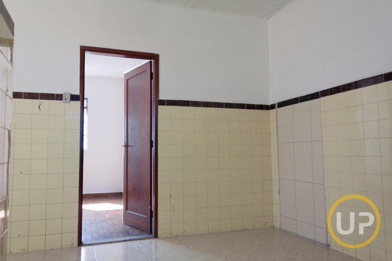 Casa de 1 dormitório para alugar em Eymard Belo Horizonte MG  #9E812D 1280x853 Balança De Banheiro Belo Horizonte