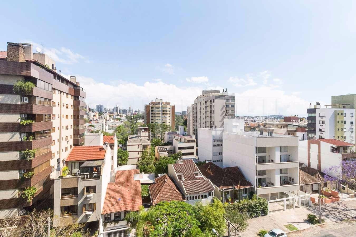 Reverence de 3 dormitórios em Bela Vista, Porto Alegre - RS