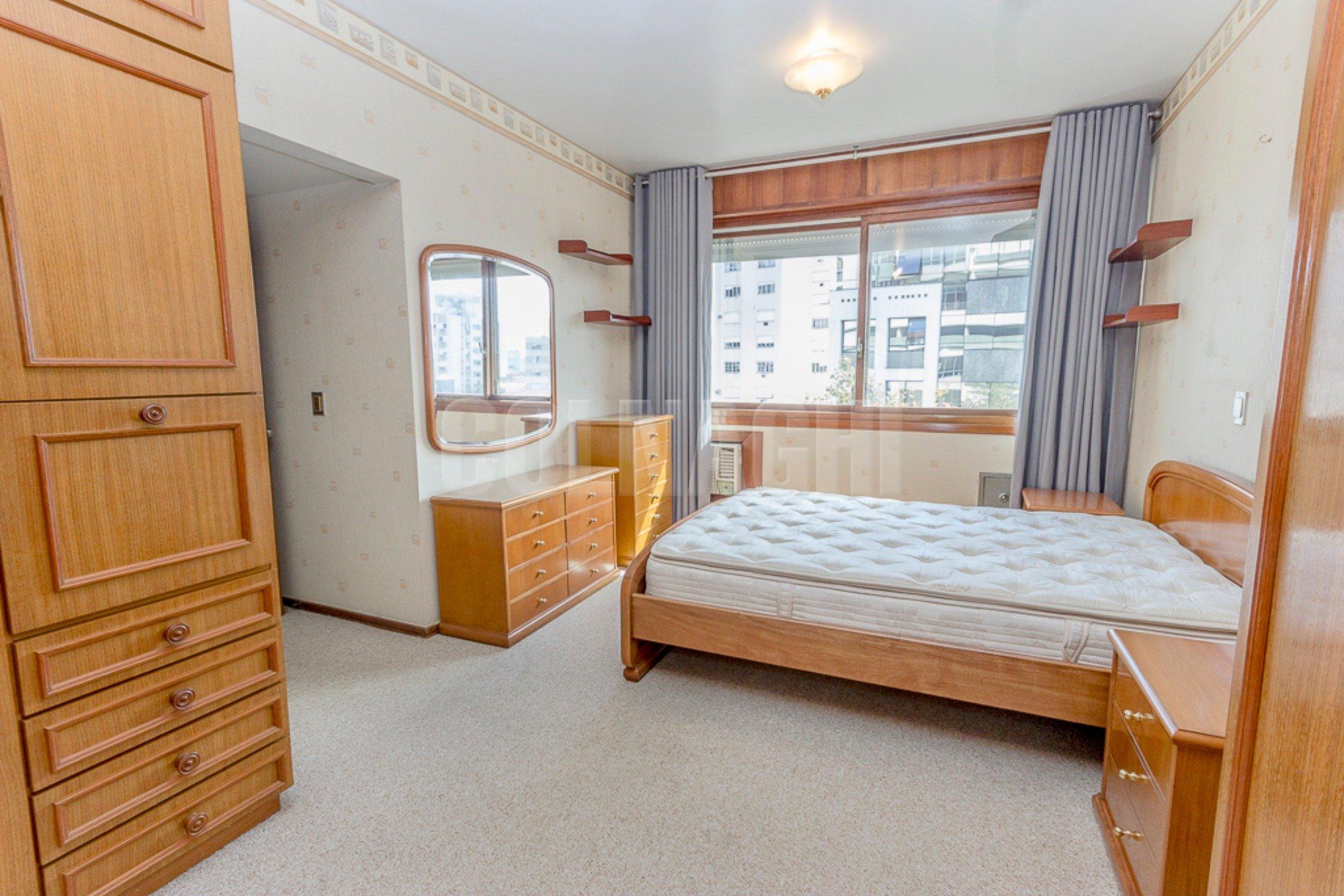 Solar Ricaldone de 3 dormitórios em Moinhos De Vento, Porto Alegre - RS