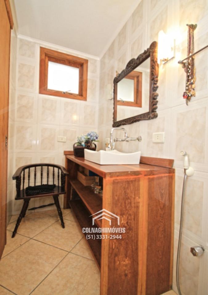 Casa de 3 dormitórios à venda em Tres Figueiras, Porto Alegre - RS