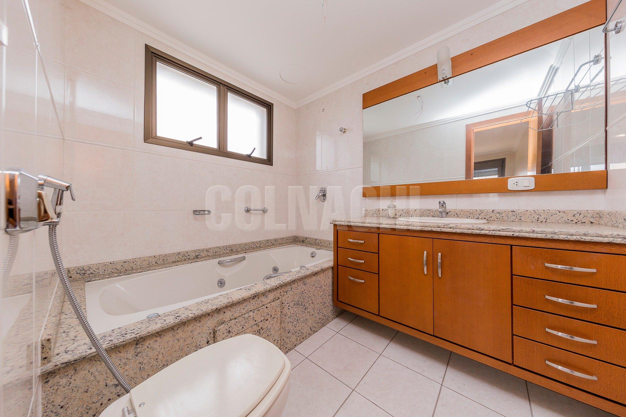 Apartamentos de 3 dormitórios à venda em Petropolis, Porto Alegre - RS