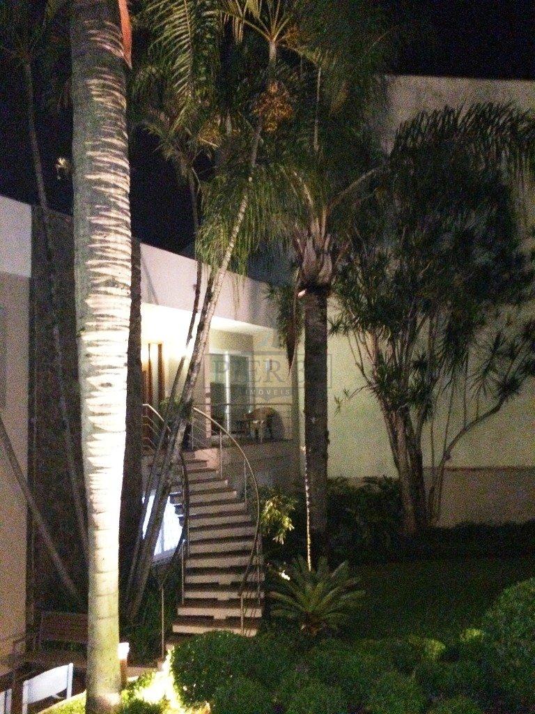 33_Jardim Frontal à Noite