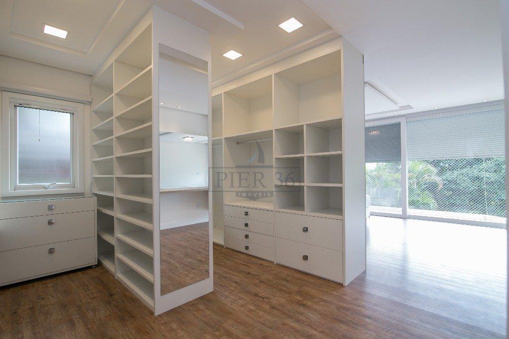 19_Closet