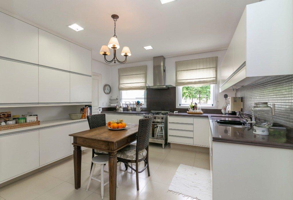 09_Cozinha Ampla e iluminada