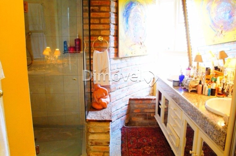012 - Banheiro Suíte