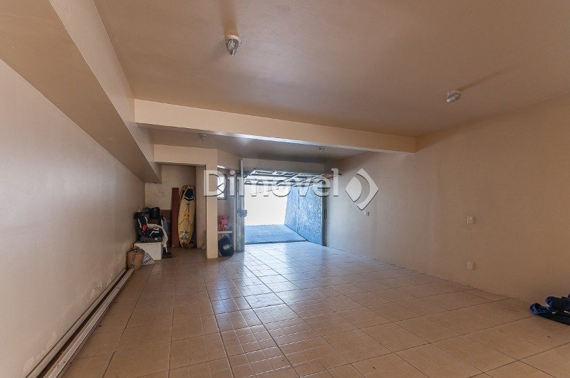 018 - Garagem