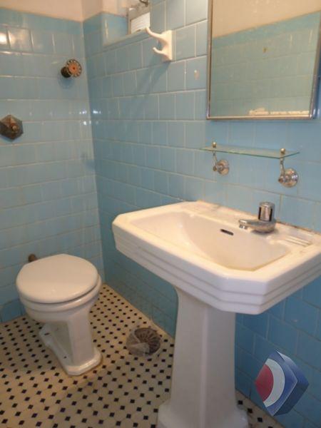 011 - Banheiro 01
