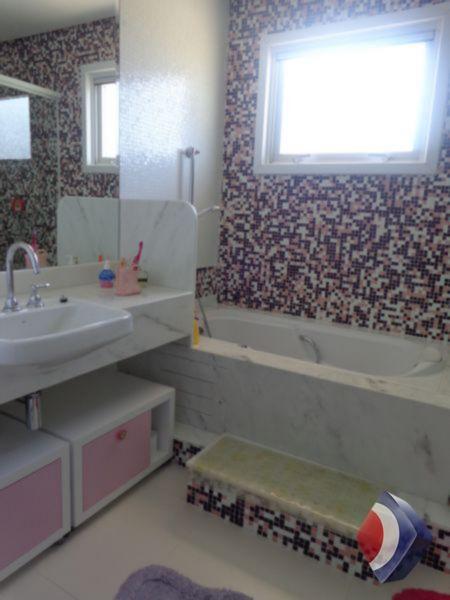 023 - Banheiro suíte 2