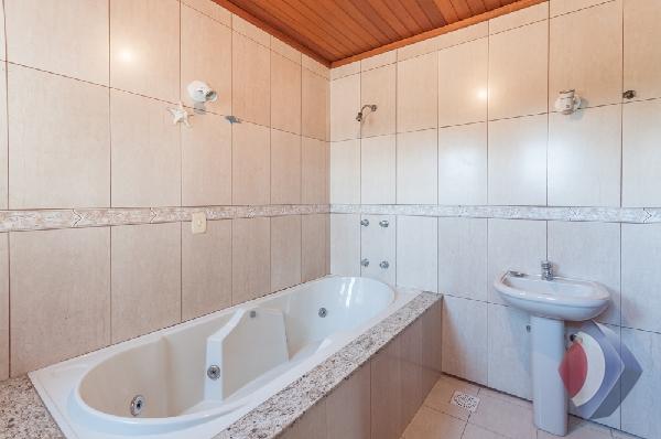 017 - Banheiro Social 2o Pavimento