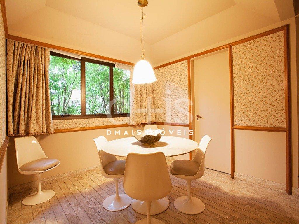 Sala de Jantar de Casa no Jardim América