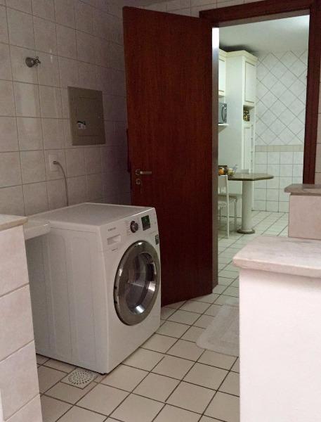 Residencial Torremolinos - Casa 3 Dorm, Três Figueiras, Porto Alegre - Foto 2