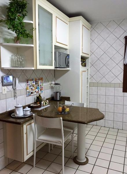 Residencial Torremolinos - Casa 3 Dorm, Três Figueiras, Porto Alegre - Foto 4