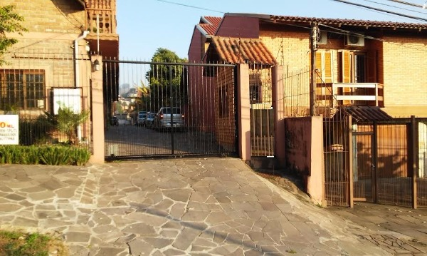 Ducati Imóveis - Loja 1 Dorm, Glória, Porto Alegre