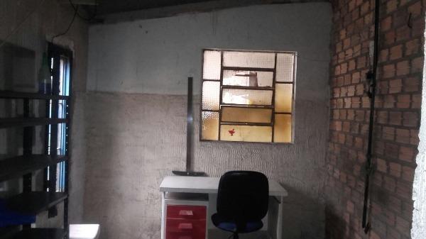 Terreno com Benfeitorias - Terreno 4 Dorm, Santa Tereza, Porto Alegre - Foto 14