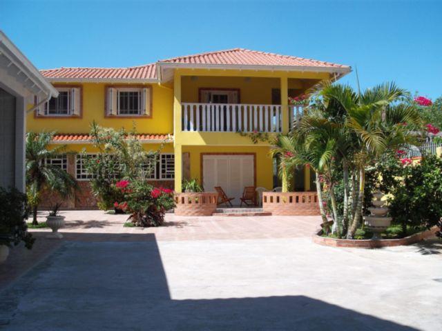 Jardim Veronese - Casa 3 Dorm, Belém Novo, Porto Alegre (56127)