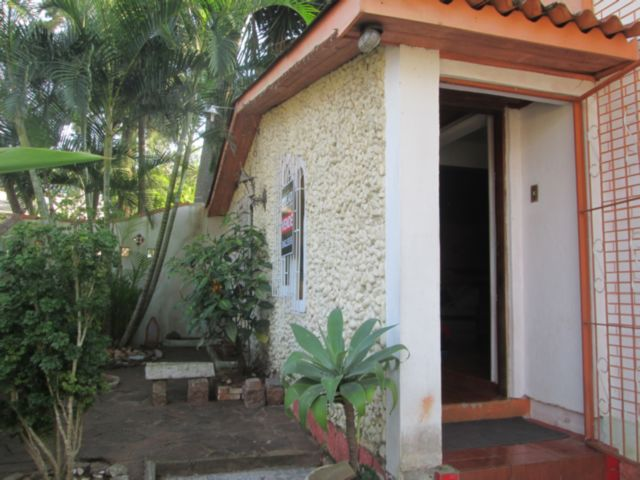 Jardinm Medianeira - Casa 3 Dorm, Santa Tereza, Porto Alegre (56133)