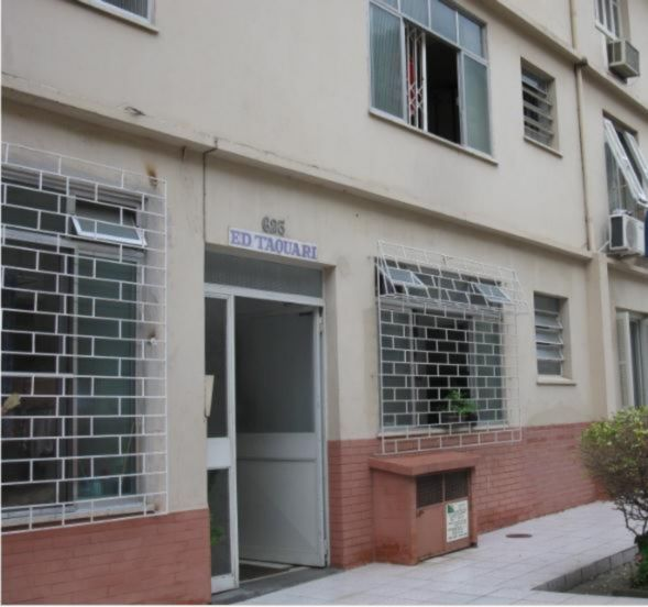 Edificio Taquari - Apto 2 Dorm, Santa Maria Goretti, Porto Alegre - Foto 3