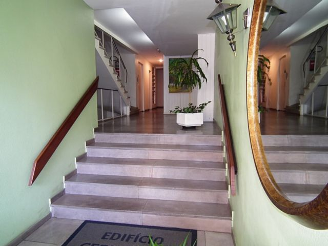 Edificio Cerro Azul - Apto 2 Dorm, Higienópolis, Porto Alegre (61162) - Foto 2