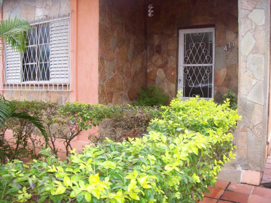Casa Padrão - Casa 3 Dorm, Coronel Aparício Borges, Porto Alegre
