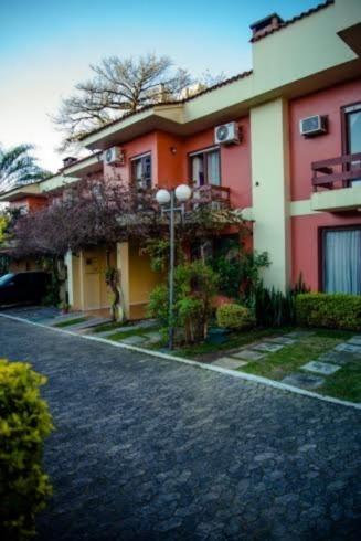 Ducati Imóveis - Casa 4 Dorm, Tristeza (98653) - Foto 2