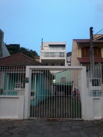 Terreno com Casa - Casa 3 Dorm, Chácara das Pedras, Porto Alegre