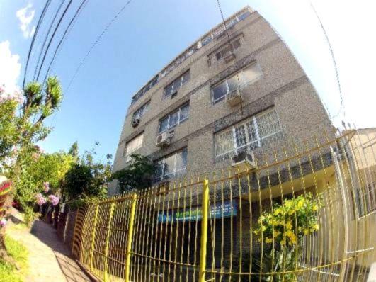 Dom Romildo - Sala, Passo da Areia, Porto Alegre (99780)