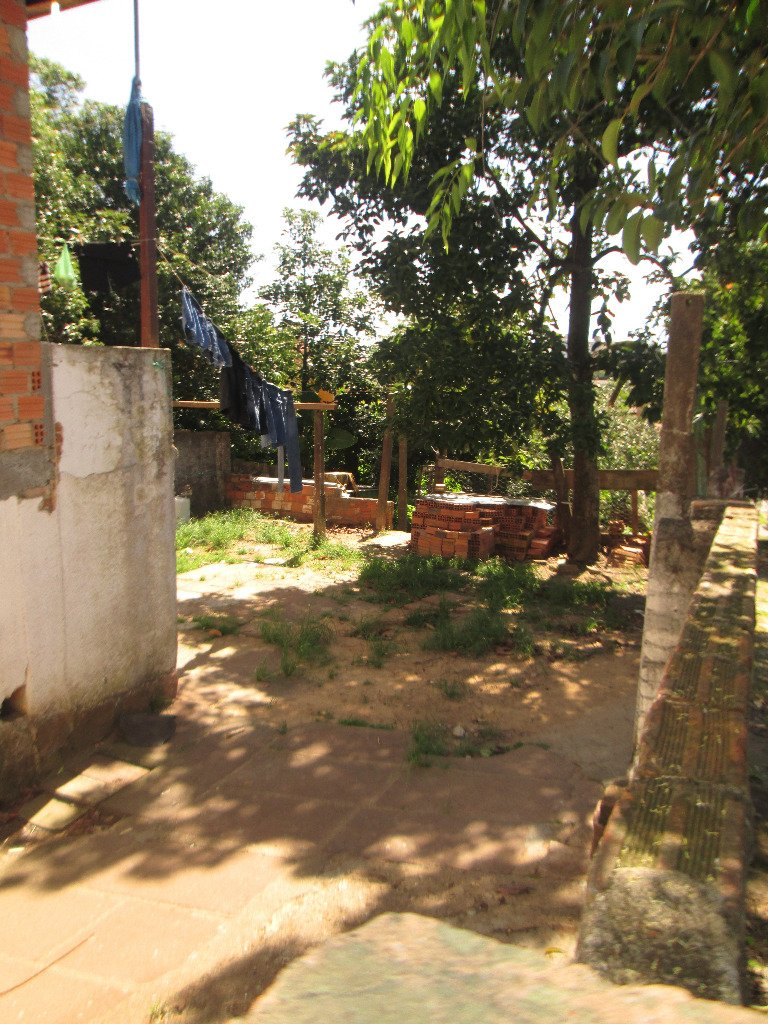 Belo terreno entre a Av Benno Mentz e a Av Professora Paula Soares, terreno 10x30. estuda proposta.