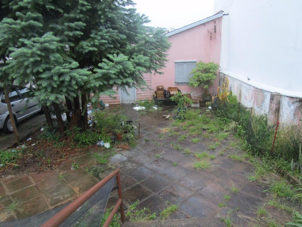 Terreno com Casa Mista  10,50 x 30,00