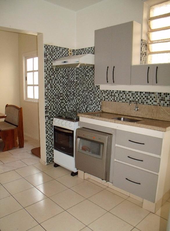 Apartamento de Três dormitórios , Hall de entrada , Estar Intimo  ,living em dois ambientes , Copa   cozinha , área de serviços  Com terraço,  Banheiro social. OBS Mobiliado.