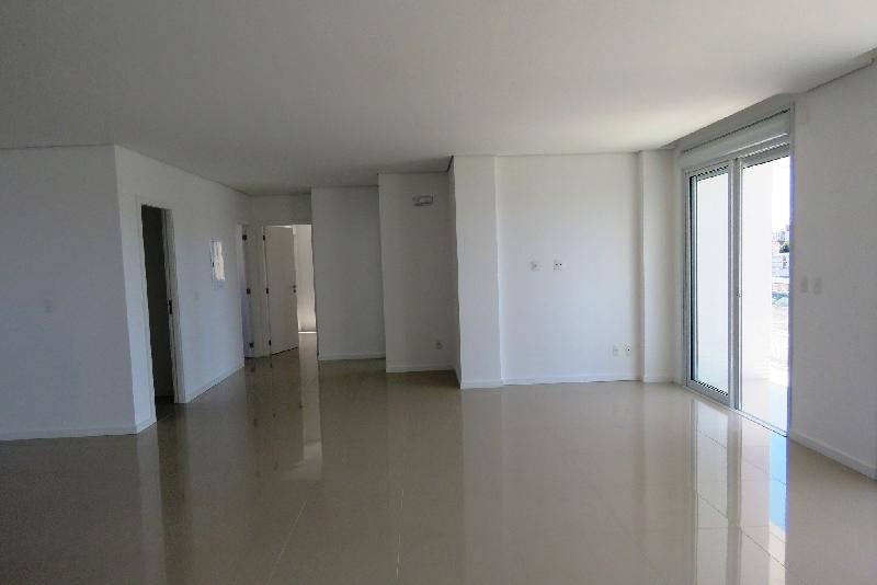 Apartamentos de 3 dormitórios em Coqueiros, Florianopolis - SC