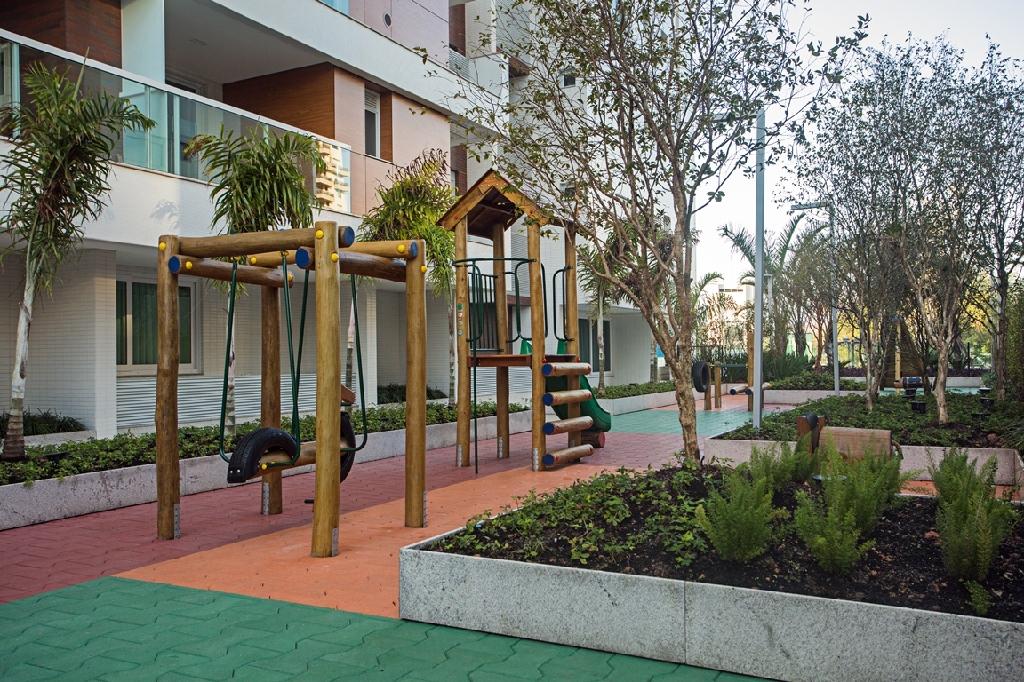 Empreendimento de 2 dormitórios em Beira Mar, Florianopolis - SC