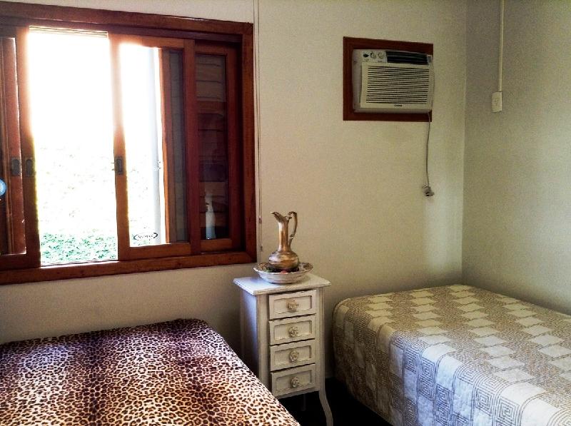 Casa de 4 dormitórios à venda em João Paulo, Florianopolis - SC