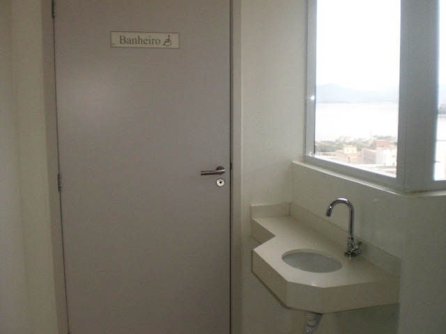 Salas/conjuntos em Centro, Florianopolis - SC