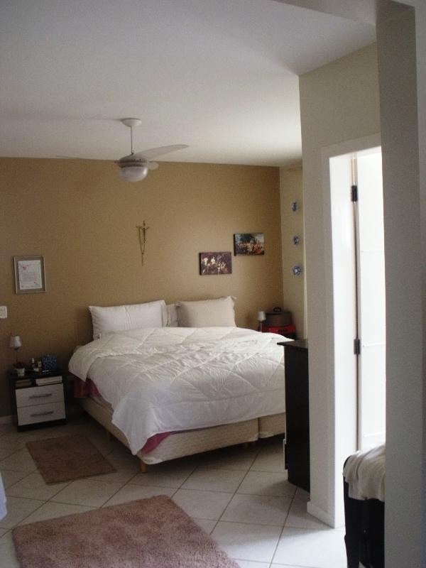 Casa de 4 dormitórios em Pantanal, Florianopolis - SC