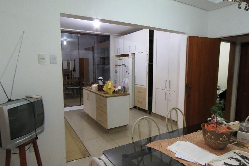 Casa de 4 dormitórios à venda em Barreiros, Sao Jose - SC