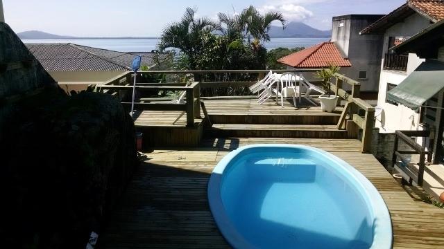 Casa de 4 dormitórios em Coqueiros, Florianopolis - SC