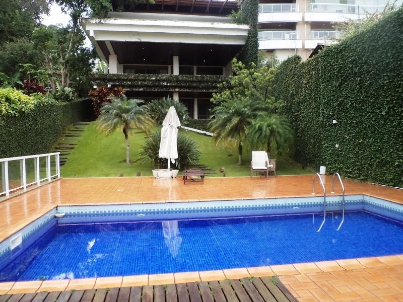 Casa de 4 dormitórios em João Paulo, Florianopolis - SC